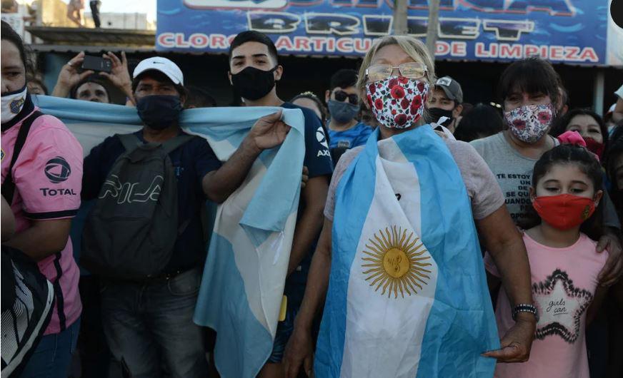 Tiễn đưa huyền thoại Maradona đến thiên đường - Ảnh 13.