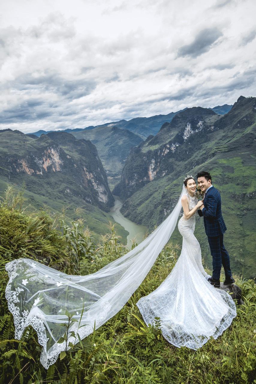 Cặp đôi người Việt lên rừng xuống biển, chụp ảnh cưới ở 11 tỉnh thành - Ảnh 10.