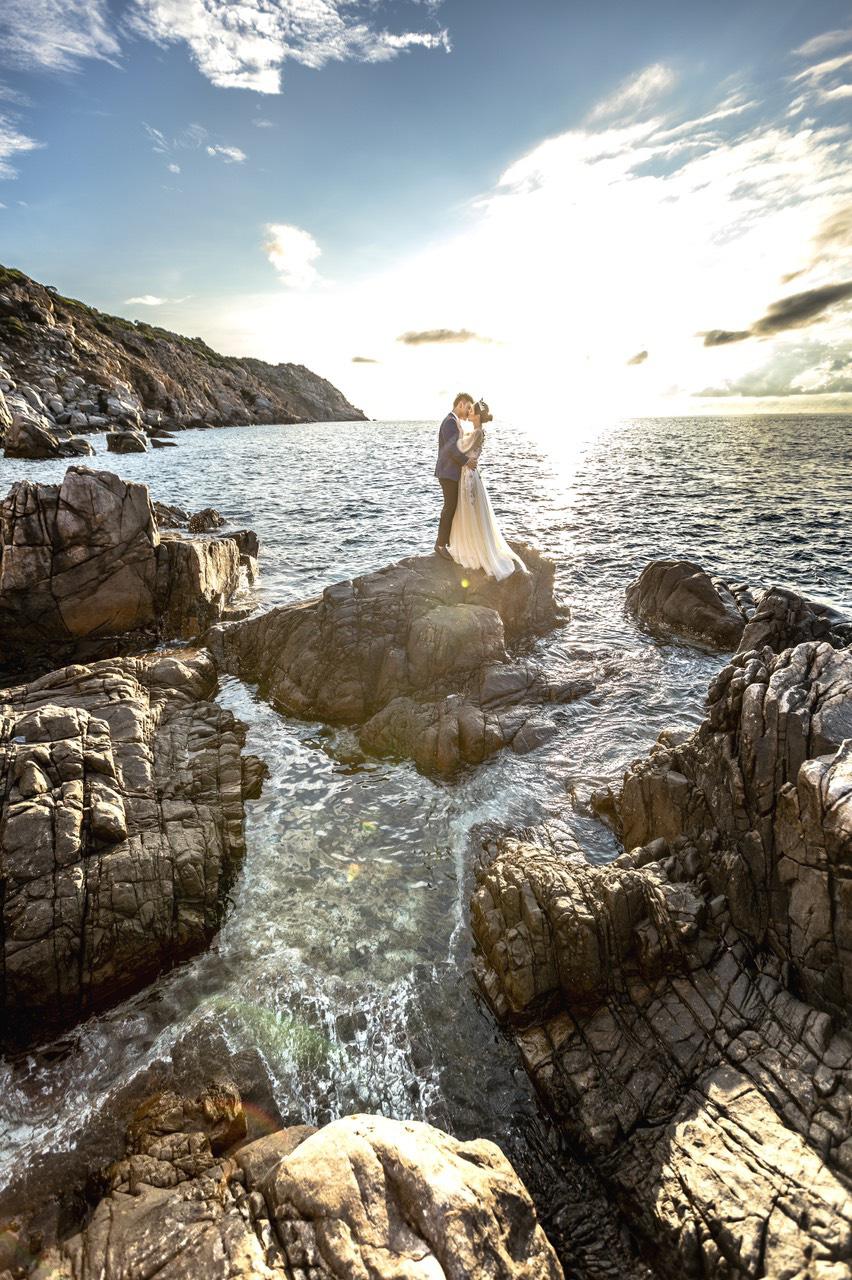 Cặp đôi người Việt lên rừng xuống biển, chụp ảnh cưới ở 11 tỉnh thành - Ảnh 9.
