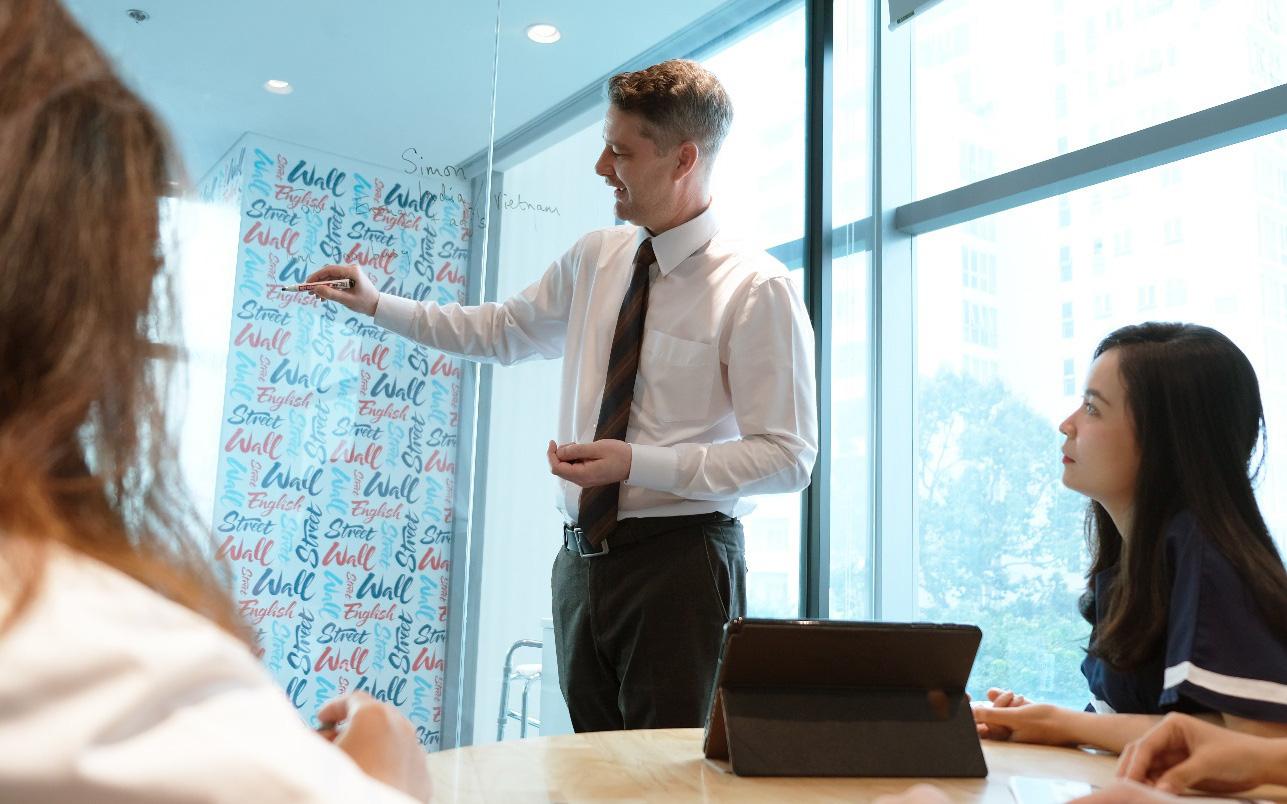 Chọn trung tâm uy tín cải thiện vốn tiếng Anh cho người bận rộn