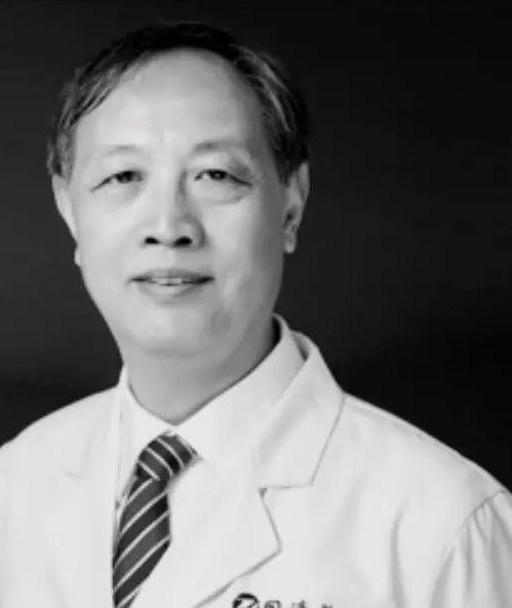 Thêm một bác sĩ nổi tiếng của Trung Quốc chết vì nhiễm virus corona - Ảnh 2.