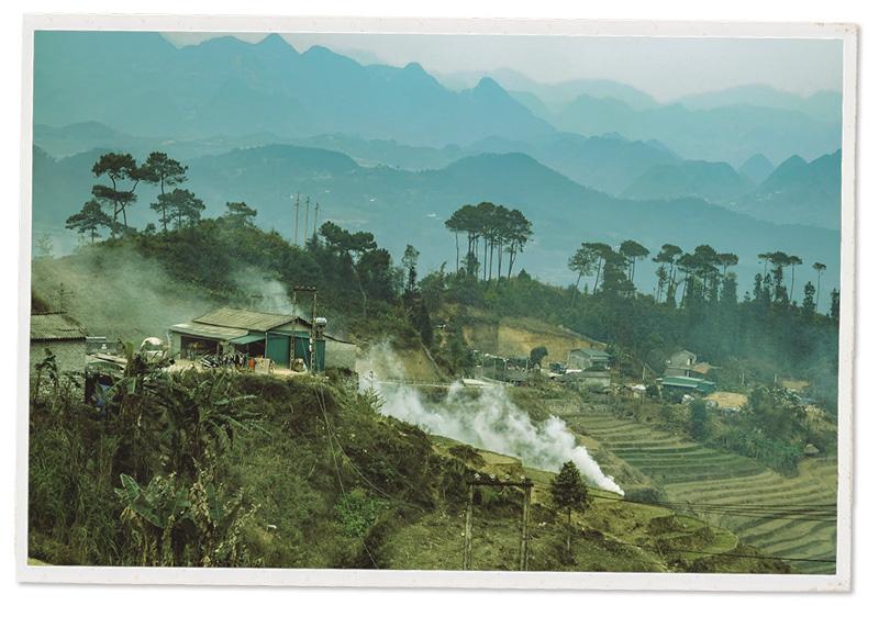 55 năm Cung đường Hạnh Phúc trên trập trùng núi đá Hà Giang - Ảnh 11.