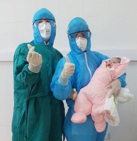 Một em bé chào đời trong khu cách ly ngừa dịch COVID-19 ở Hà Nội - Ảnh 1.
