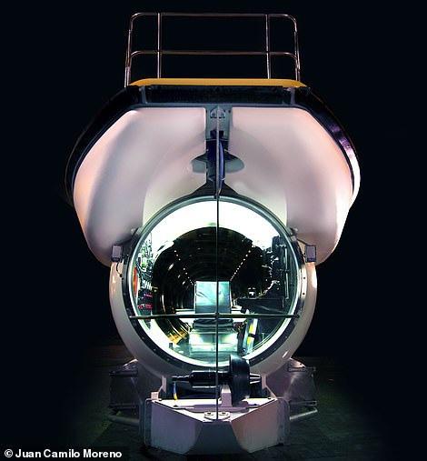 Tàu được lắp ráp tại cơ sở sản xuất của Triton, thành phố Barcelona, Tây Ban Nha -