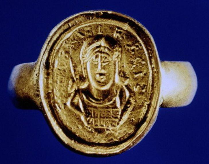 Những phát hiện khảo cổ trên trời rơi xuống - Ảnh 2.