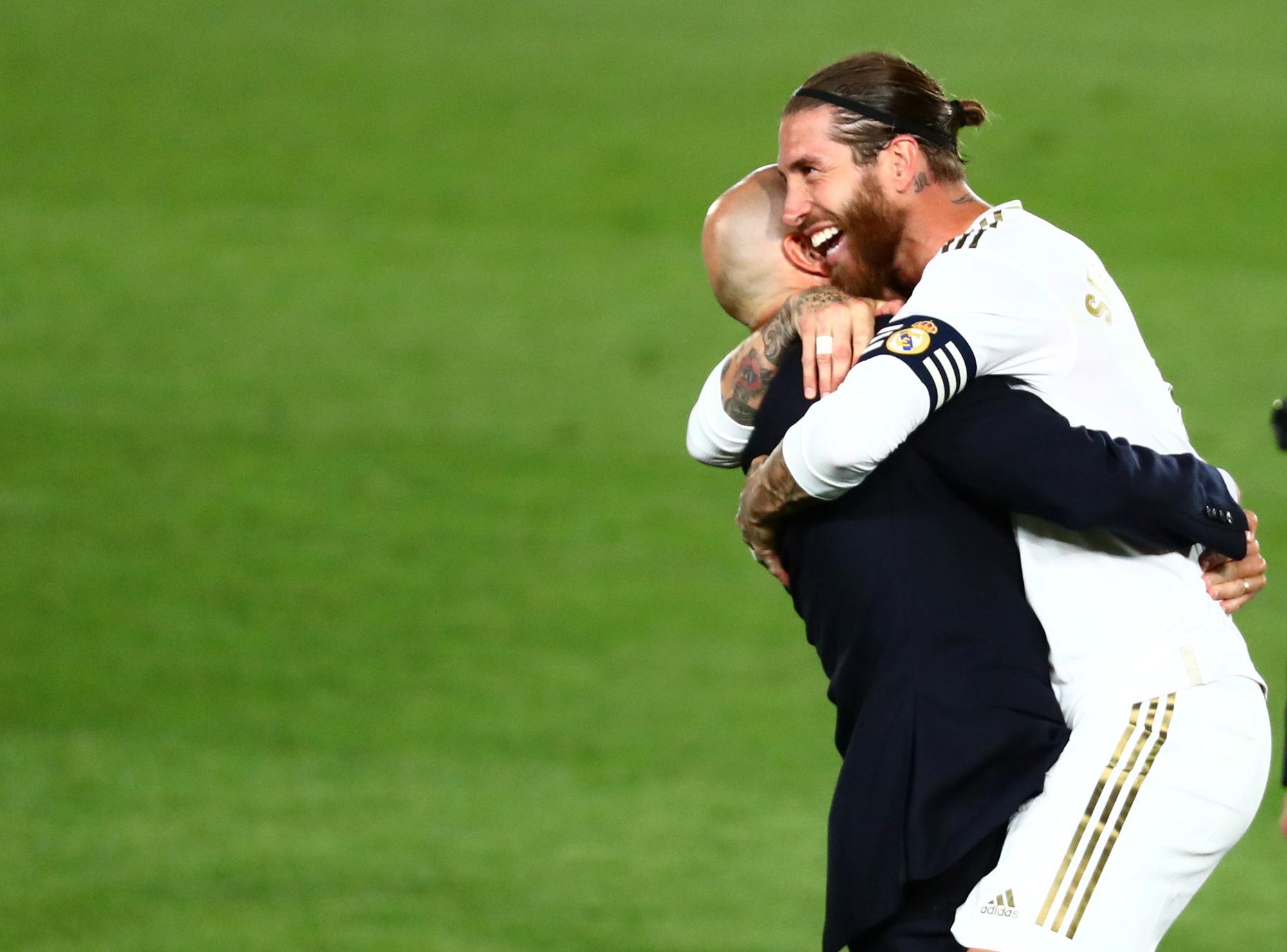 Zidane – 14 tấm thẻ đỏ, rèn nên vị thần chiến thắng - Ảnh 14.