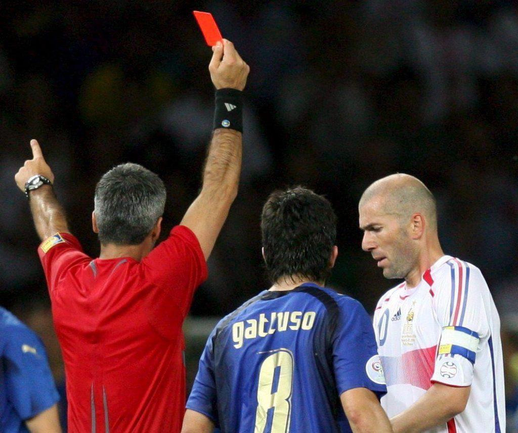 Zidane – 14 tấm thẻ đỏ, rèn nên vị thần chiến thắng - Ảnh 8.