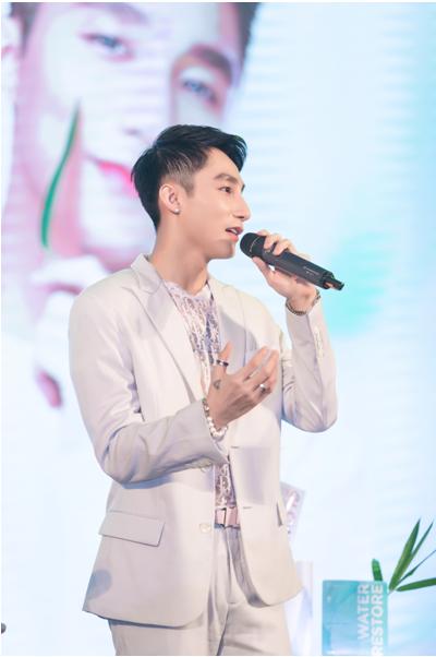 Sự hợp tác hoàn hảo giữa nghệ sĩ Sơn Tùng M-TP và MLAB - LányBeau - Ảnh 1.