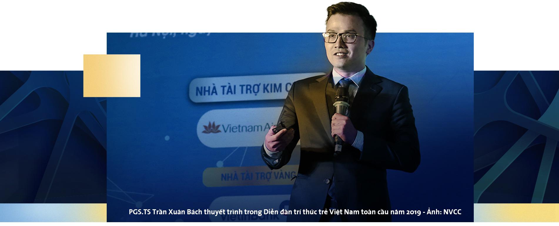 PGS Trần Xuân Bách: Làm khoa học như leo lên đỉnh núi mù sương - Ảnh 4.