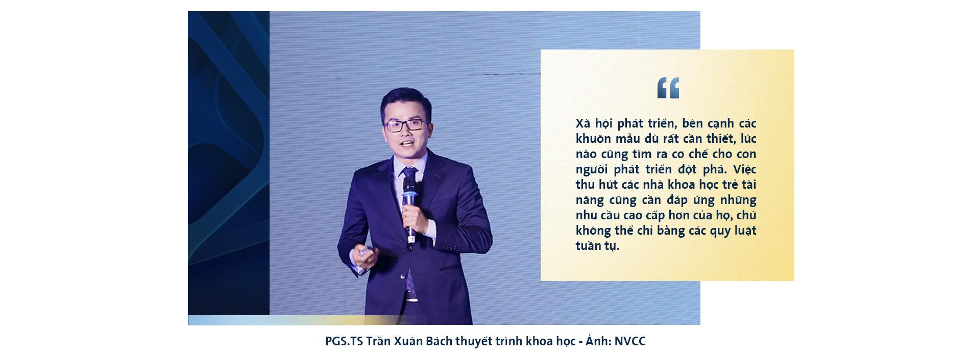 PGS Trần Xuân Bách: Làm khoa học như leo lên đỉnh núi mù sương - Ảnh 9.