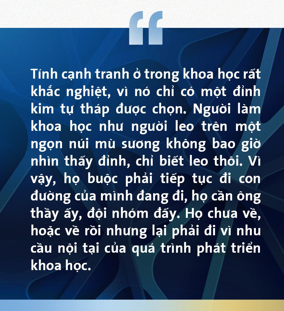 PGS Trần Xuân Bách: Làm khoa học như leo lên đỉnh núi mù sương - Ảnh 10.