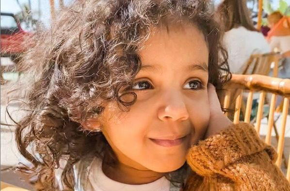 Bé gái 2 tuổi ở Mỹ là một trong những người có chỉ số IQ cao nhất thế giới - Ảnh 1.