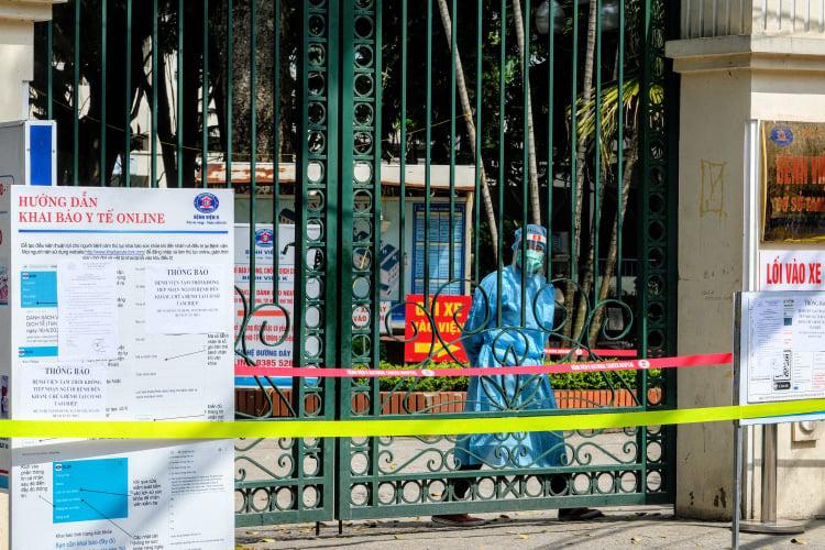 Cập nhật phòng chống dịch: TP.HCM dừng nhà hàng tiệc cưới, cách ly xã hội toàn TP Vĩnh Yên - Ảnh 1.