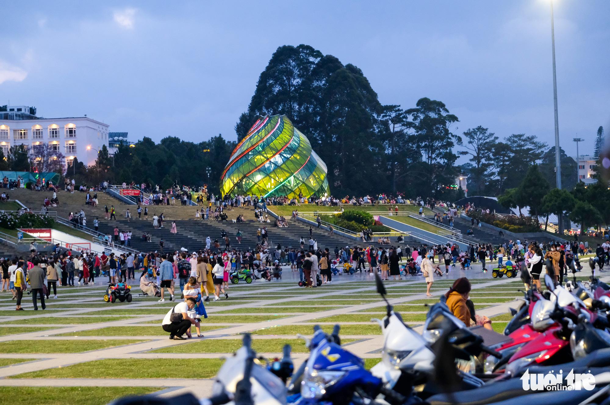 179 ca F1, Lâm Đồng cho học sinh nghỉ học, kêu gọi du khách hạn chế đến Đà Lạt - Ảnh 2.