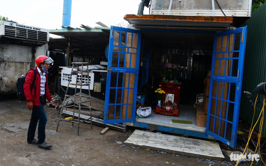 TP.HCM chấn chỉnh nhà ở, cửa hàng container không phép - Ảnh 3.