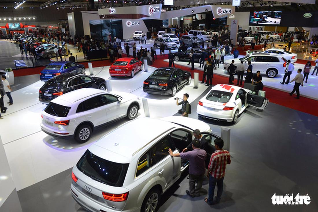 Ngắm xe hơi quá đã tại triển lãm ôtô quốc tế VN - Ảnh 2.