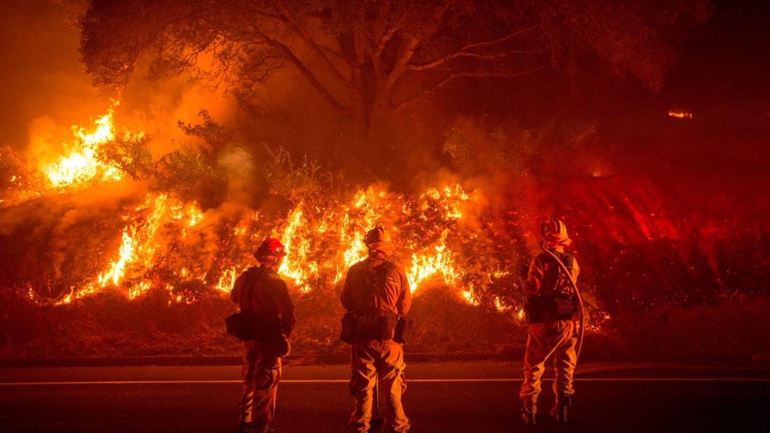 4 ngày chìm trong biển lửa của California - Ảnh 5.