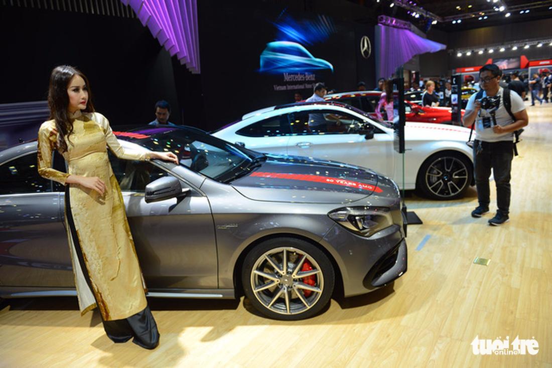 Ngắm xe hơi quá đã tại triển lãm ôtô quốc tế VN - Ảnh 12.