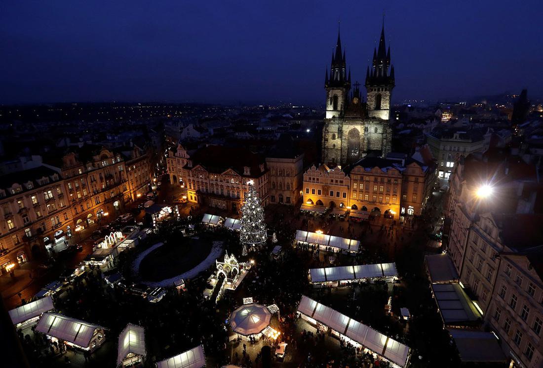 Giáng sinh rộn ràng khắp thế giới - Ảnh 5.