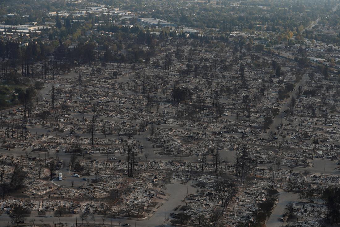 4 ngày chìm trong biển lửa của California - Ảnh 16.