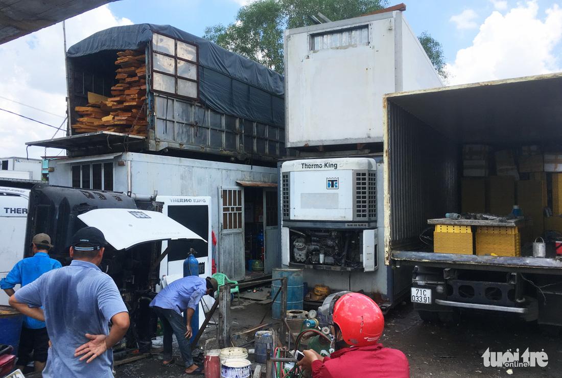 TP.HCM chấn chỉnh nhà ở, cửa hàng container không phép - Ảnh 4.