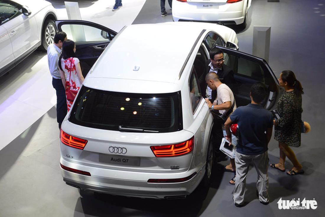 Ngắm xe hơi quá đã tại triển lãm ôtô quốc tế VN - Ảnh 4.