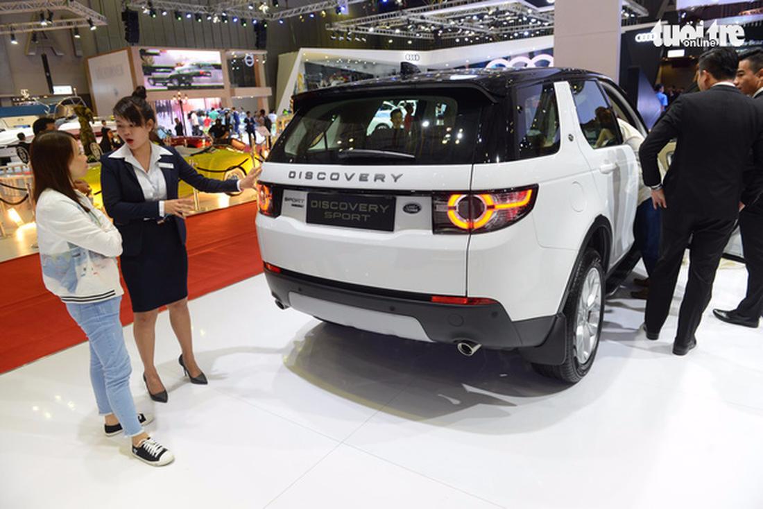 Ngắm xe hơi quá đã tại triển lãm ôtô quốc tế VN - Ảnh 5.