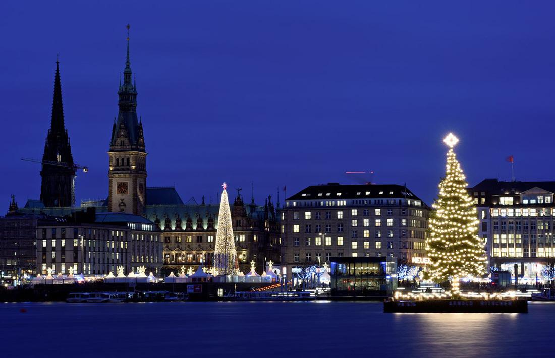 Giáng sinh rộn ràng khắp thế giới - Ảnh 9.