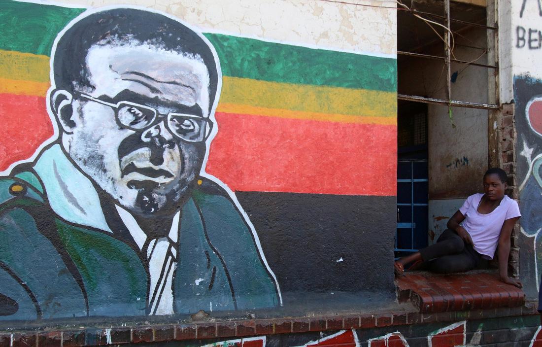 Zimbabwe dưới triều đại Mugabe qua mười con số khó tin - Ảnh 1.