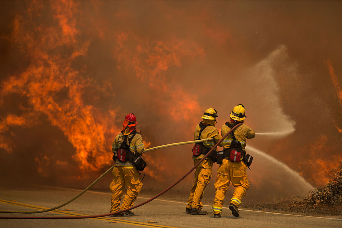 4 ngày chìm trong biển lửa của California - Ảnh 6.