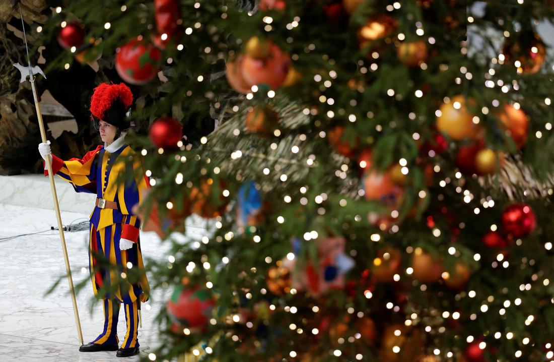Giáng sinh rộn ràng khắp thế giới - Ảnh 4.