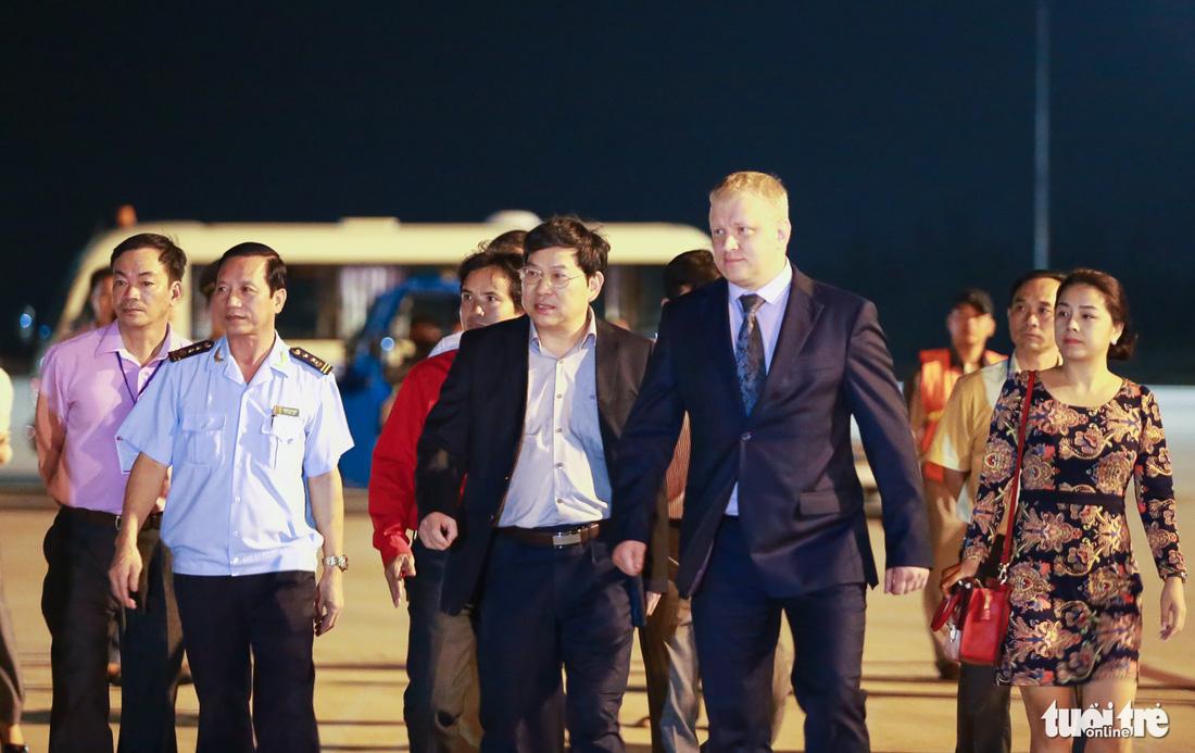 40 tấn hàng cứu trợ của Nga đã đến Cam Ranh - Ảnh 6.