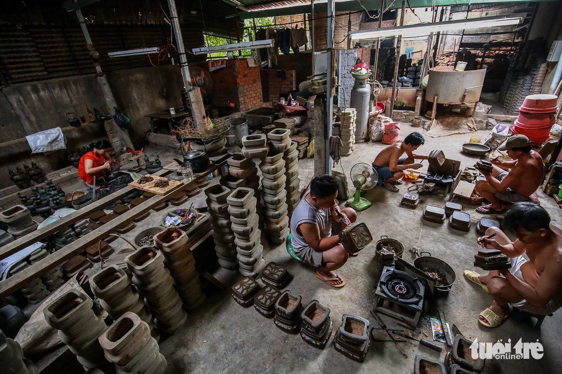 Làng nghề hiếm hoi còn sót lại ở Sài Gòn - Ảnh 7.