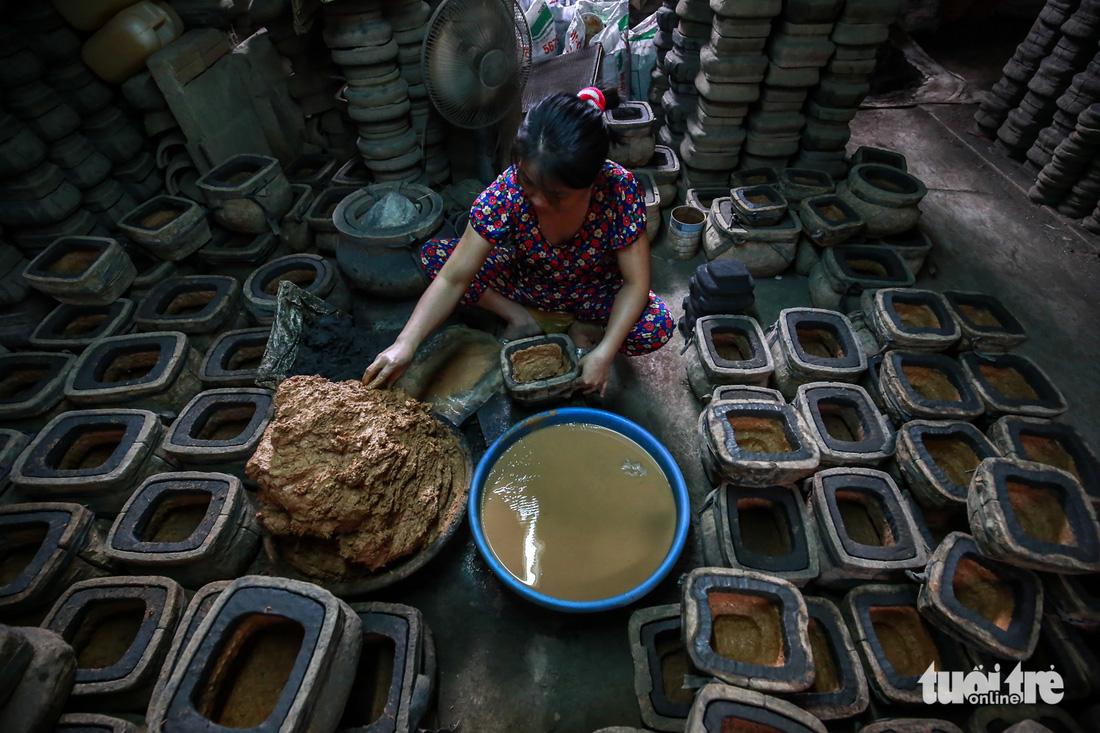 Làng nghề hiếm hoi còn sót lại ở Sài Gòn - Ảnh 2.