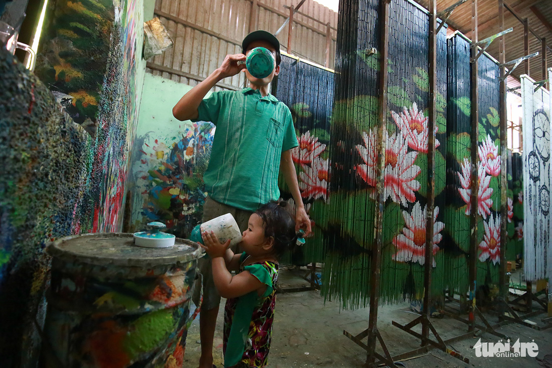 Nghề mành trúc chưa có người thừa kế ở Sài Gòn - Ảnh 14.