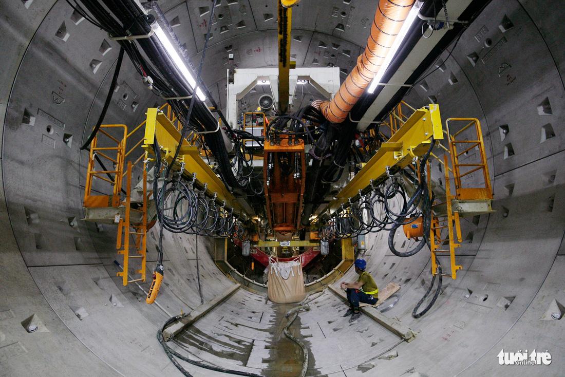 Robot TBM sắp thông đường hầm đầu tiên tuyến metro số 1 - Ảnh 3.