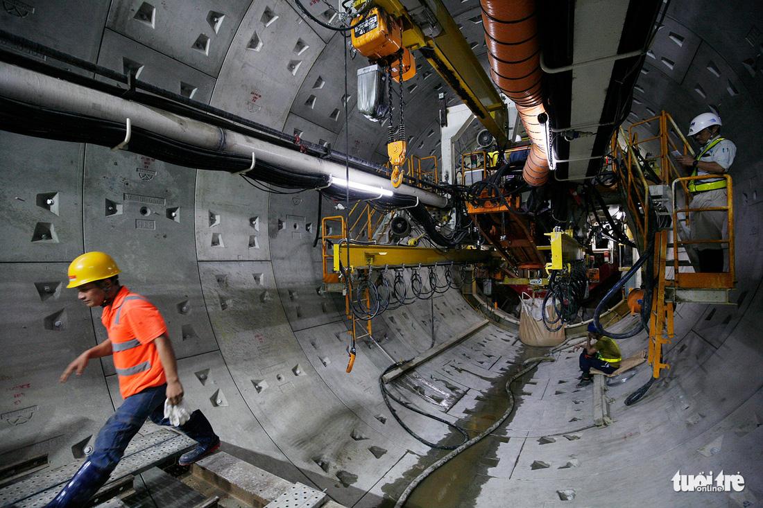 Robot TBM sắp thông đường hầm đầu tiên tuyến metro số 1 - Ảnh 2.