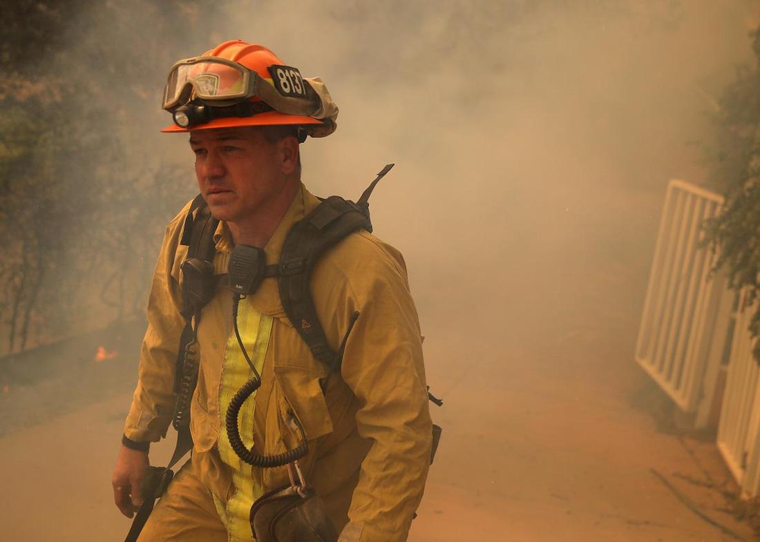 4 ngày chìm trong biển lửa của California - Ảnh 8.