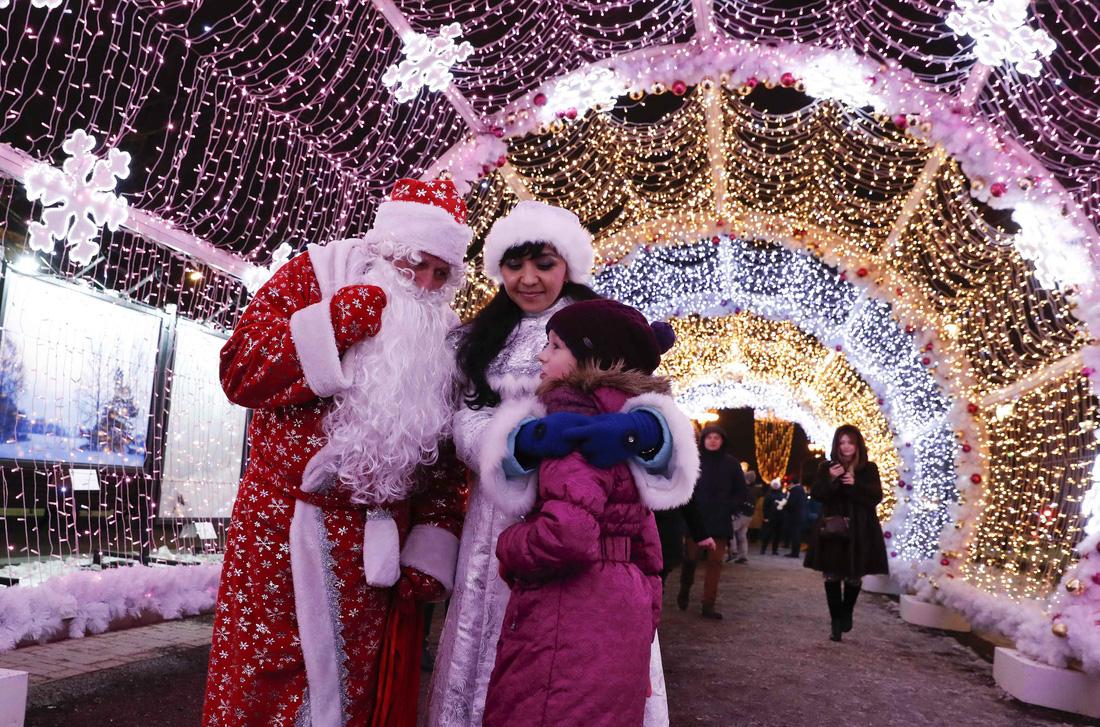 Giáng sinh rộn ràng khắp thế giới - Ảnh 22.