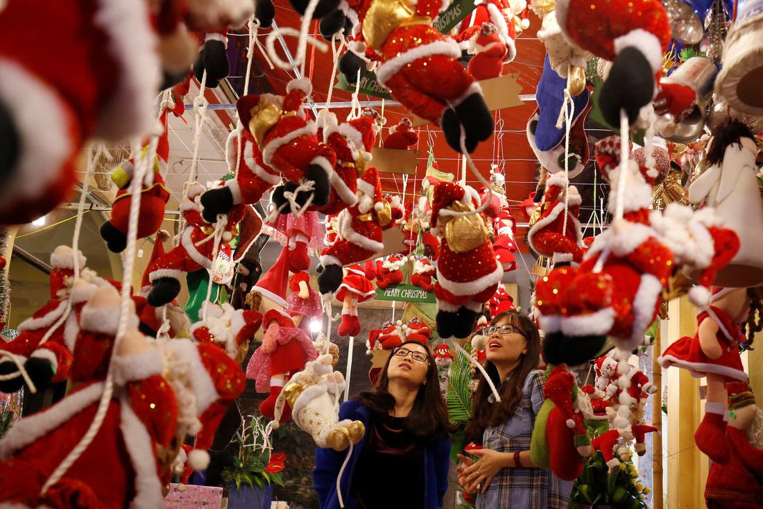 Giáng sinh rộn ràng khắp thế giới - Ảnh 2.
