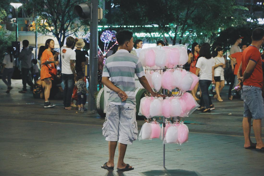 Đến phố đi bộ Nguyễn Huệ mà không thử những món này thì thật tiếc - Ảnh 5.