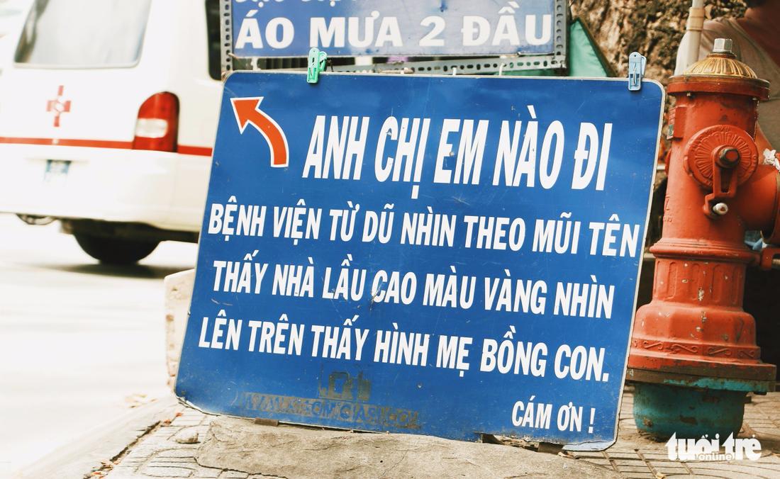 Nhìn những biển hiệu này để thấy Sài Gòn quá đỗi dễ thương - Ảnh 11.