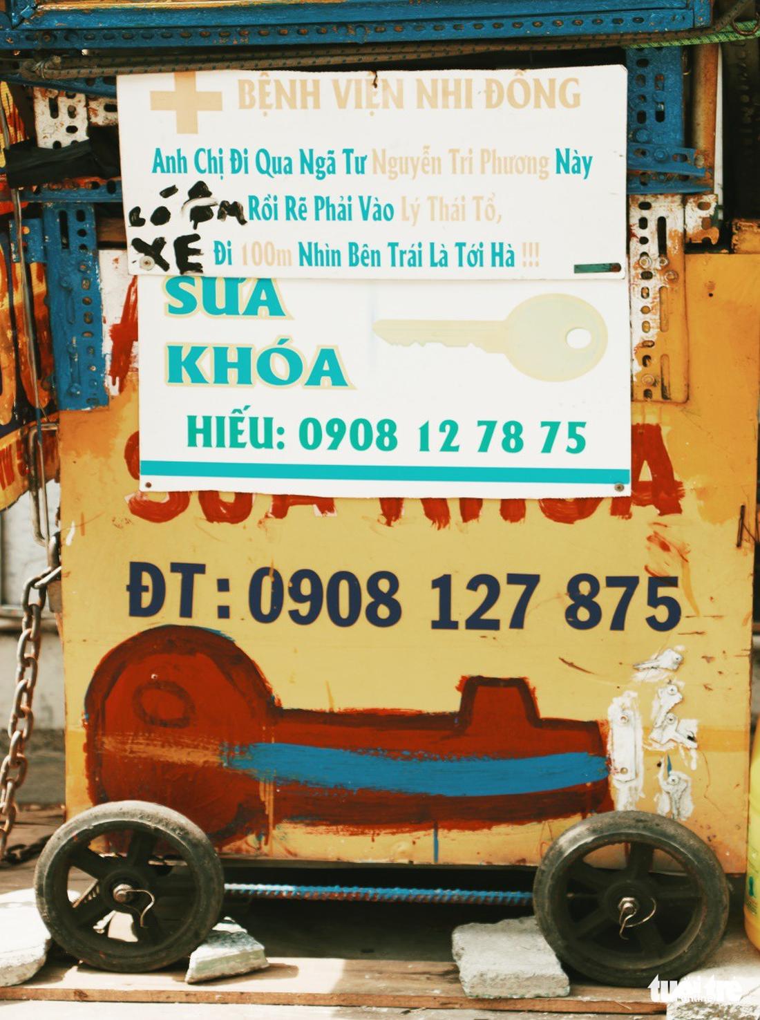 Nhìn những biển hiệu này để thấy Sài Gòn quá đỗi dễ thương - Ảnh 12.