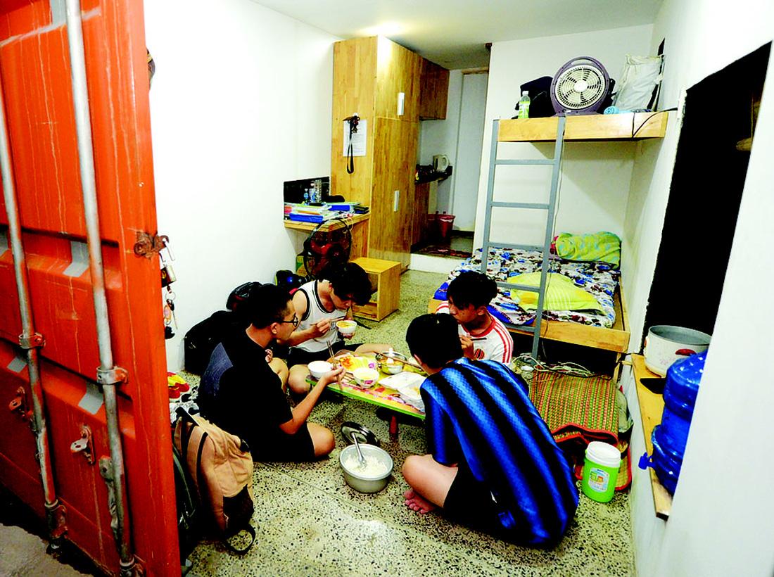 Cận cảnh cuộc sống sinh viên trong căn hộ container - Ảnh 9.