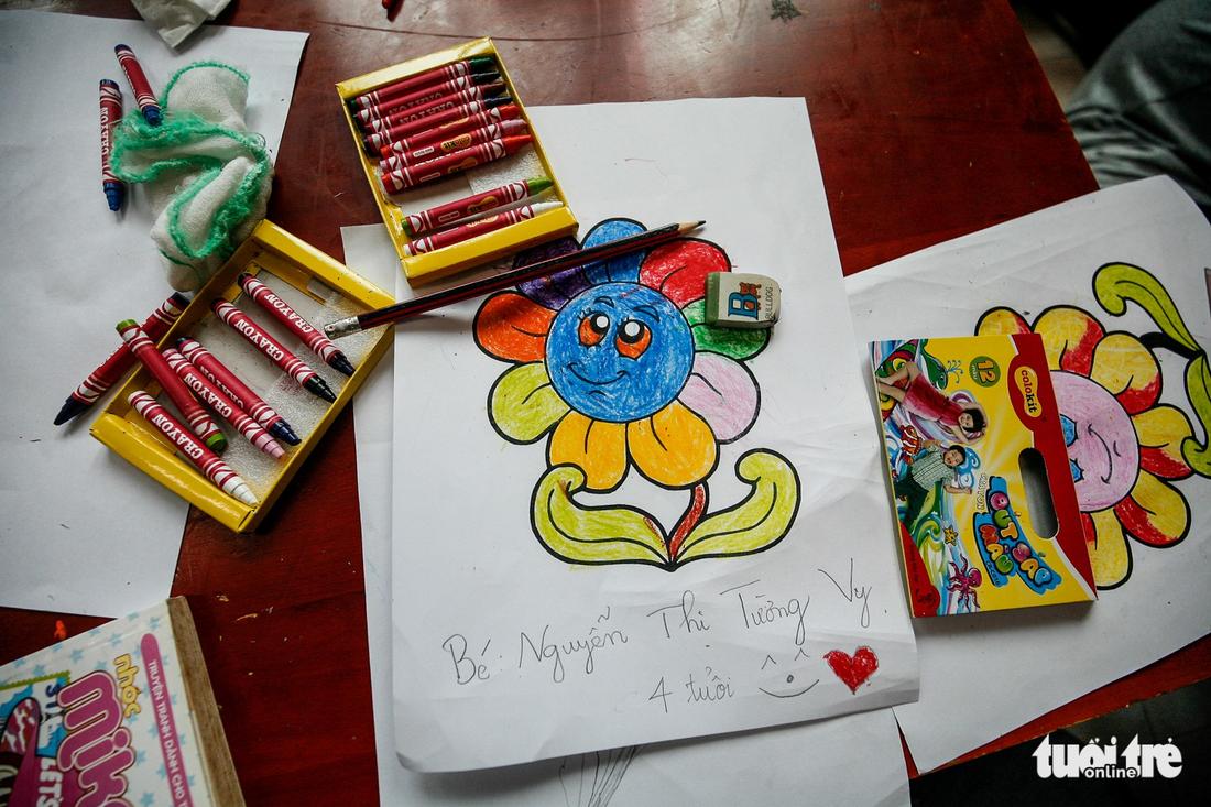 Bệnh nhi ung thư vẽ tranh tham gia Ngày hội Hoa hướng dương - Ảnh 17.