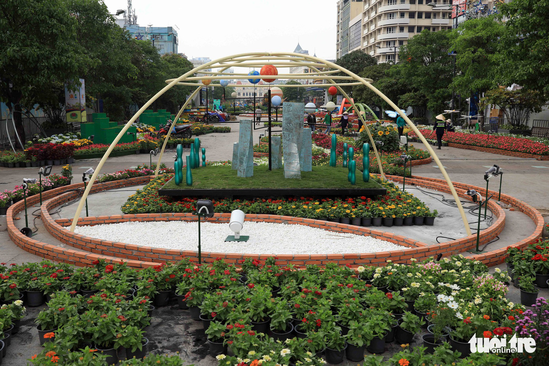 Chó Phú Quốc nổi bật ở đường hoa Nguyễn Huệ - Ảnh 25.
