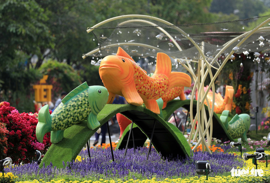 Chó Phú Quốc nổi bật ở đường hoa Nguyễn Huệ - Ảnh 16.
