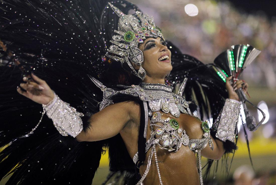 Choáng ngợp với Carnival Rio đầy màu sắc và quyến rũ - Ảnh 1.