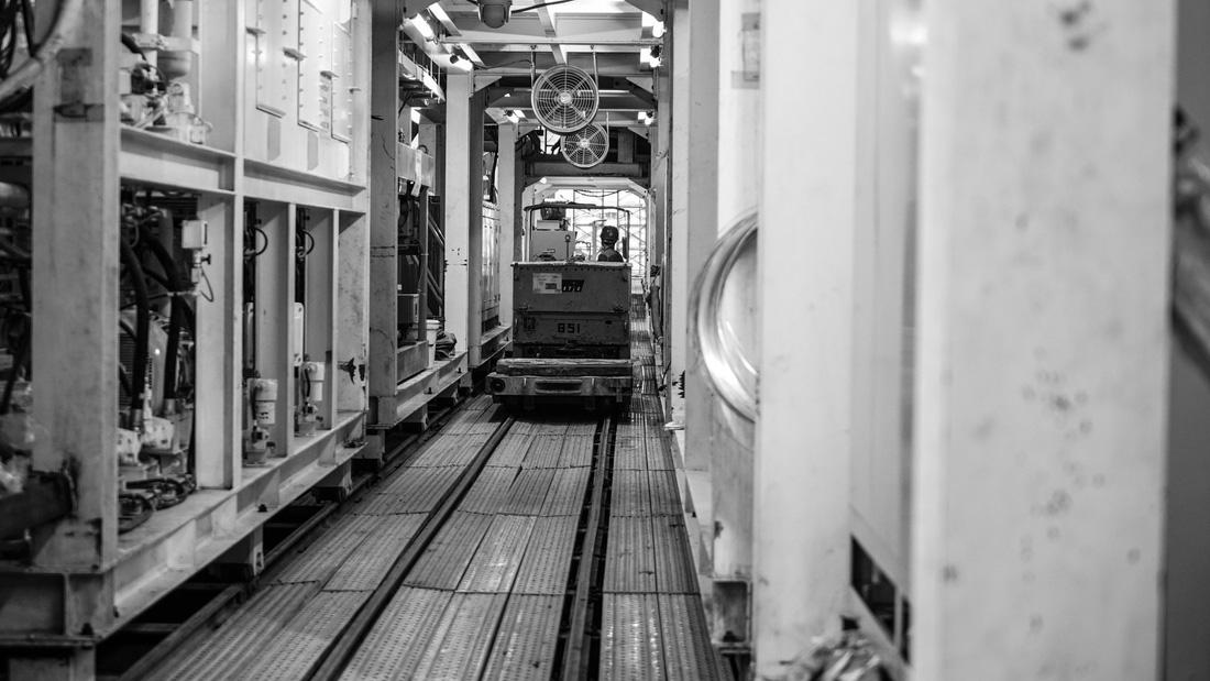 Chui xuống đất cùng chú robot khoan hầm metro TP.HCM - Ảnh 16.