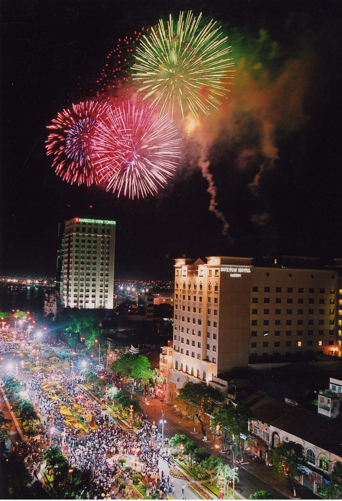 Bạn còn nhớ về pháo hoa ở Sài Gòn 20 năm qua? - Ảnh 7.